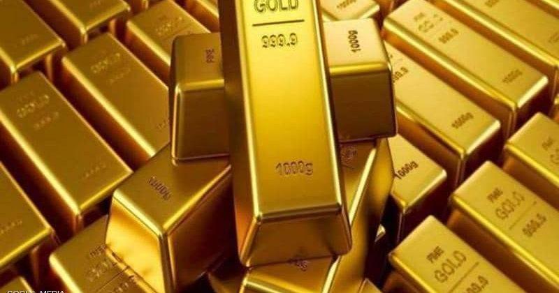 الذهب يواصل التراجع وينخفض عن مستوى 1900 دولار للأوقية