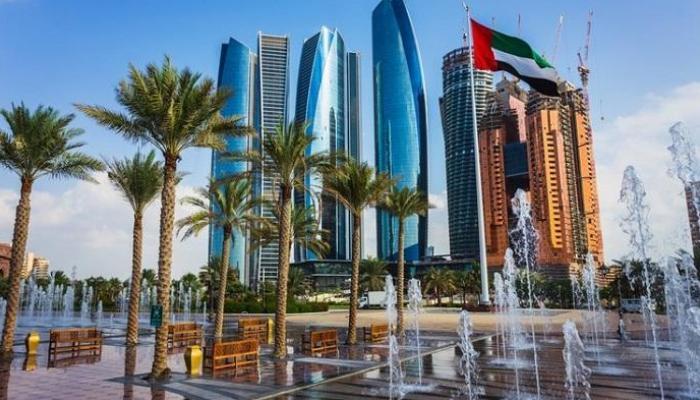 الإمارات تبحث دعم وتحفيز قطاع السياحة