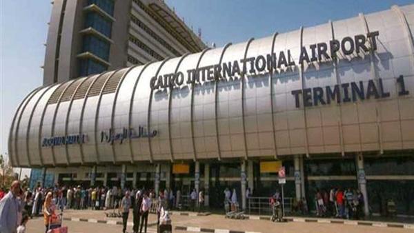 جمارك مطار القاهرة تحبط تهريب عدد من الهواتف المحمولة