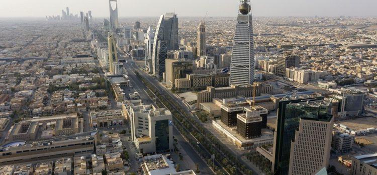 لأول مرة في تاريخها.. السعودية تعلن تعيين 3 نساء ملحقات في سفاراتها