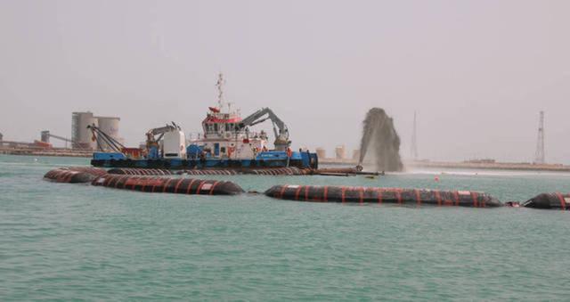 """مباحثات لتوحيد شركتي """"الإنشاءات البترولية الوطنية"""" الإماراتية و""""الجرافات البحرية"""""""