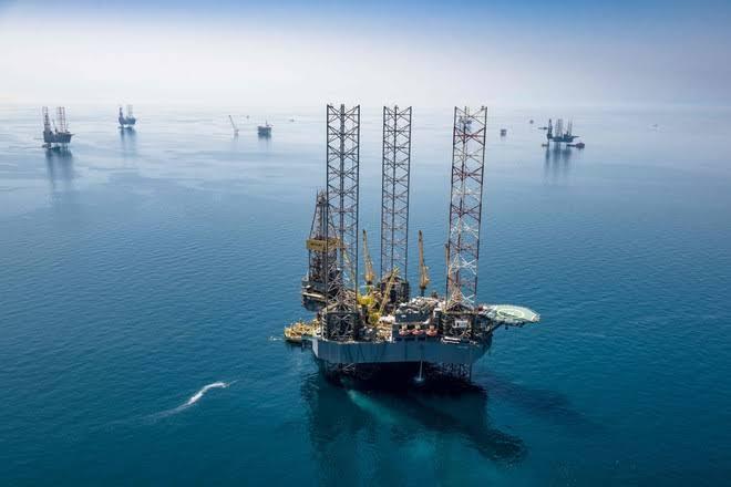 محققا 44.43 دولارا للبرميل.. النفط يسجل أعلى مستوى له منذ مارس الماضي
