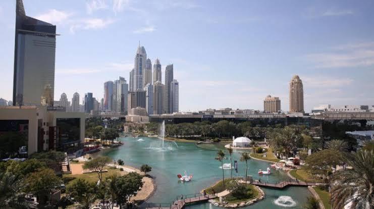 القطاع الخاص غير النفطي في الإمارات يسجل أسرع نمو له منذ 10 أشهر