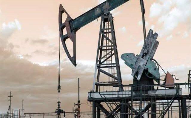 تراجع النفط وسط مخاوف بشأن ضعف الطلب